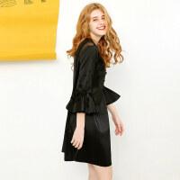 2018新款韩版宽松显瘦黑色钉珠七分荷叶袖圆领短款连衣裙女