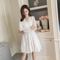 蕾丝连衣裙V领2018春装新款女装夏韩版显瘦复古百搭长袖打底裙子 米白色 (长袖版)