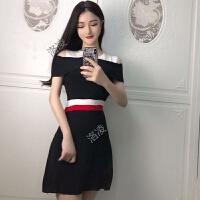 2018春夏新款女装欧洲站性感潮撞色露肩短袖连衣裙显瘦修身打底裙