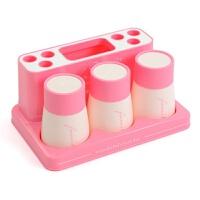 三口漱口杯刷牙杯洗漱套装浴室牙具盒置物架情侣牙刷架牙膏收纳架 三口粉色(有字母) 杯子和底座带字