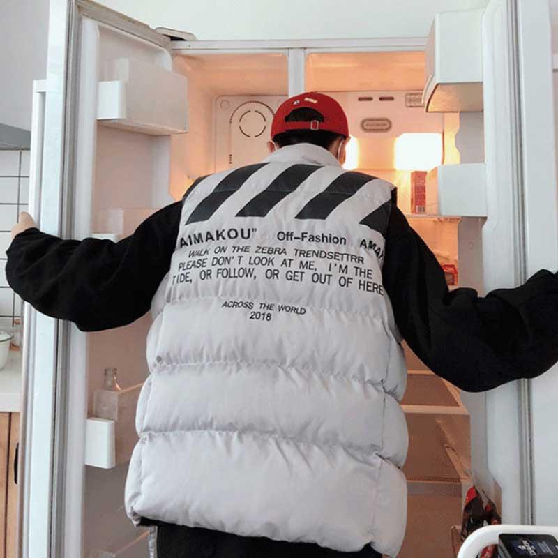 秋冬季男士马甲韩版无袖坎肩潮牌背心加厚男生羽绒棉外套马夹潮 发货周期:一般在付款后2-90天左右发货,具体发货时间请以与客服协商的时间为准