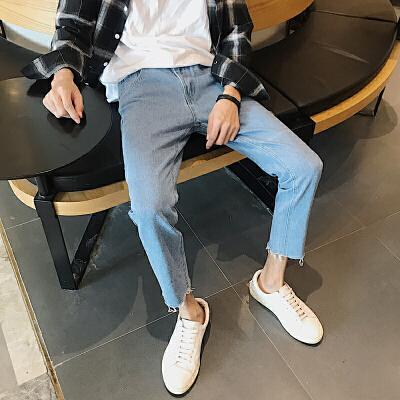 男士牛仔裤2018春季新款韩版青少年修身小脚长裤休闲学生潮男裤子 发货周期:一般在付款后2-90天左右发货,具体发货时间请以与客服协商的时间为准