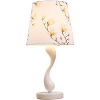 简约台灯卧室床头灯创意田园温馨客厅灯具
