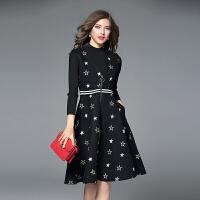 毛呢连衣裙秋冬款新款修身长袖两件套V领呢子背心裙气质A字裙