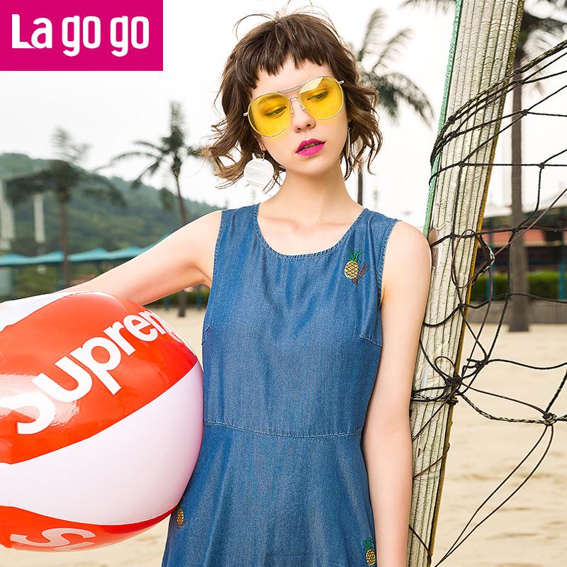 【两件5折后价154.5】Lagogo2017年夏季新款中长款裙子刺绣圆领无袖高腰显瘦连衣裙女