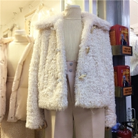 YOOMINI韩版秋冬新款舒适显瘦牛角扣短款毛毛外套