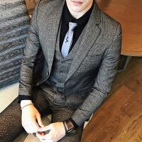 新品18秋冬装男士韩版修身格子西服套装潮流英伦青年结婚新郎三件
