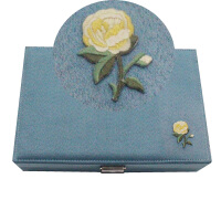 首�盒�n�� 公主 �W式 耳�品首�收�{盒 ���品展示架�Y品盒子 �\�{色 �q布刺�C右�格子