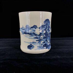 日本昭和时期手绘白瓷青花