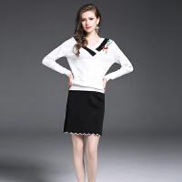 欧洲站秋冬新款女装V领绣花长袖针织毛衣+一步短裙两件套套装