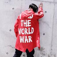 新款个性嘻哈风个性反战字母印花宽松中长款风衣男秋冬装潮男披风
