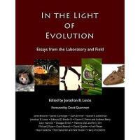【预订】In the Light of Evolution: Essays from the