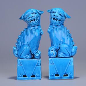 02 民国 孔雀蓝釉狮子瓷塑一对