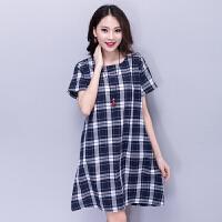 夏装新款清新格子棉麻圆领短袖中长款高腰宽松裙子方格拼接连衣裙
