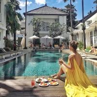 巴厘岛海边度假沙滩裙马尔代夫性感露背显瘦连衣裙大摆吊带长裙女 柠檬黄