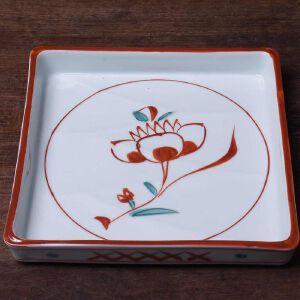 日本昭和时期瓷制描漆花卉大皿