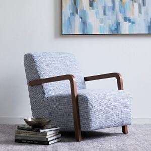 奇居良品 北欧简约家具 特丽灰色胡桃木色单人休闲沙发椅子