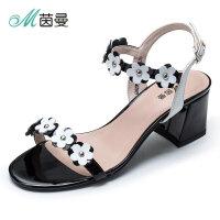 茵曼女鞋凉鞋女夏平底简约2018新款花朵一字带粗跟鞋4882050005T