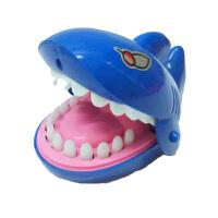 20180528080642110咬手指恶搞鳄鱼玩具鲨鱼海盗桶小心恶犬儿童抖音同款整蛊创意 咬手指鲨鱼 均码