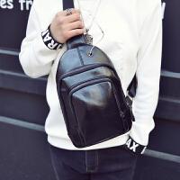 时尚小胸包男士斜挎包休闲包单肩包男包户外斜跨包背包