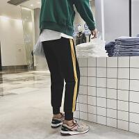 新款2018秋冬季男士休闲运动裤韩版青年学生撞色束脚裤休闲长裤潮
