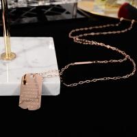 钛钢镀14K玫瑰金长方牌项链女毛衣链时尚长款衣服挂件装饰品