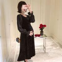 孕妇装2018秋装新款孕妇上衣吊带套装中长款两件套孕妇连衣裙