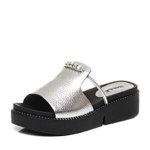 Belle/百丽2017夏专柜同款牛皮厚底女拖鞋BKPA4BT7