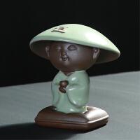 小和尚茶宠可爱斗笠帽摆件汝窑陶瓷茶桌摆件精品茶道创意可养茶玩