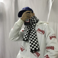 韩国INS同款冬天搭配逼入的百搭复古黑白棋盘格围巾