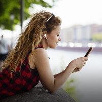 原�b通用女生耳机6s入耳式6适用�O果iPhone小米oppo华为vivo手机重低音炮有线控安卓耳塞