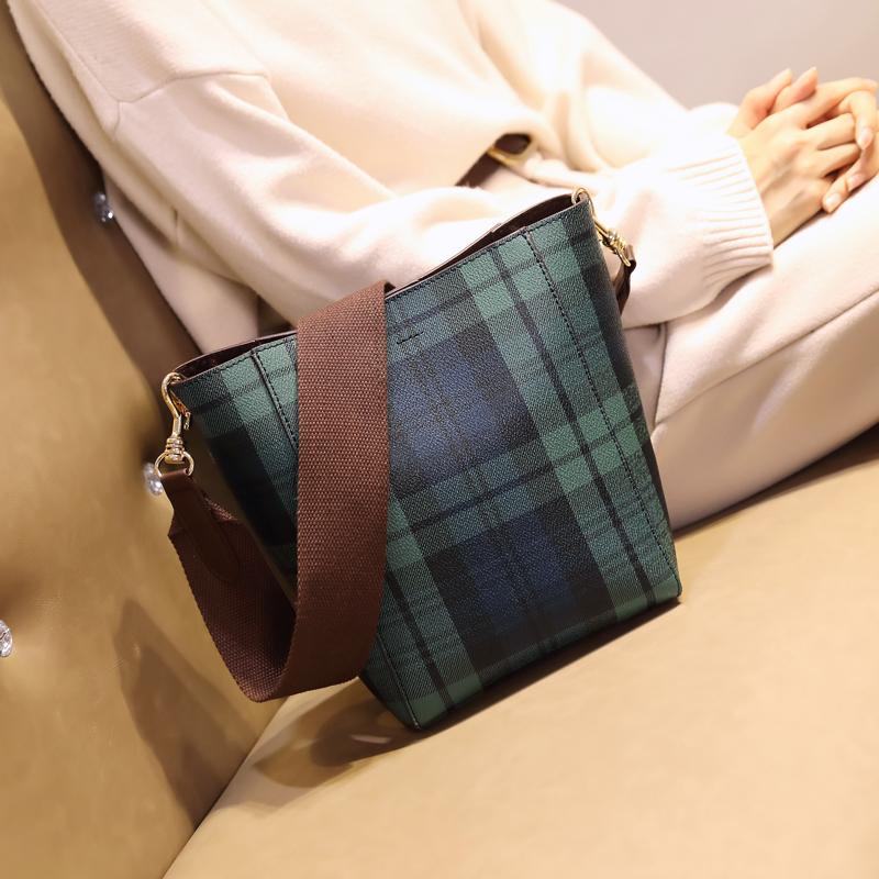 kuansen港风绿格子女包包2019新款时尚牛皮水桶包英伦风子母包单肩斜跨包 绿格子(预售5号发货) 送长宽带