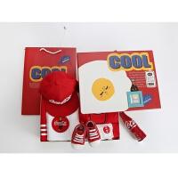 红色可乐礼盒新生儿男女宝宝套装夏季衣服满月周岁*拍照