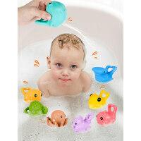 ����洗澡玩具小����男女孩捏捏叫���蛩�游泳小��子玩具海洋�游�