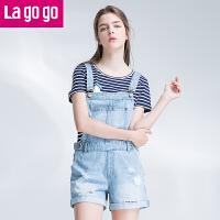 Lagogo/拉谷谷2017年夏季新款时尚卷边破洞百搭纽扣牛仔背带裤女