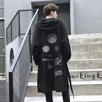 新款秋季时尚个性鹿皮绒中长款男士风衣外套暗黑个性几何印花大衣