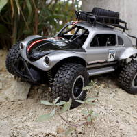 遥控越野车高速车模型汽车儿童玩具男孩攀爬车甲壳虫无线充电