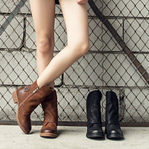 玛菲玛图秋季马丁靴女短靴2019新款短筒圆头中跟粗跟复古皮带扣侧拉链单靴9198-2S