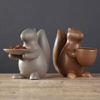 北欧简约家居陶瓷摆设 现代餐桌茶几创意工艺品 松鼠干果盘摆件