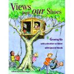 【预订】Views from Our Shoes: Growing Up with a Brother or
