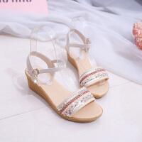 夏季一字扣带凉鞋女鞋坡跟平底中跟防滑一字学生鞋潮