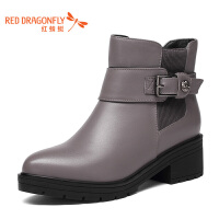 红蜻蜓真皮短靴女粗跟圆头休闲皮带扣马丁靴中跟短筒加绒保暖冬天女皮鞋