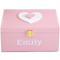 创意化妆品收纳盒家居装饰摆件女孩卧室心型整理箱大号有盖储物盒