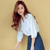 包邮 韩都衣舍2017韩版女装夏装新款竖条纹衬衣七分袖V领衬衫