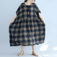 格子连衣裙女2018春夏新款民族风女装五分袖圆领大码宽松胖MM裙子