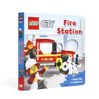 【全店300减100】英文原版进口抽拉机关书 乐高消防站 Lego Fire Station 低幼启蒙探索世界 3-5岁