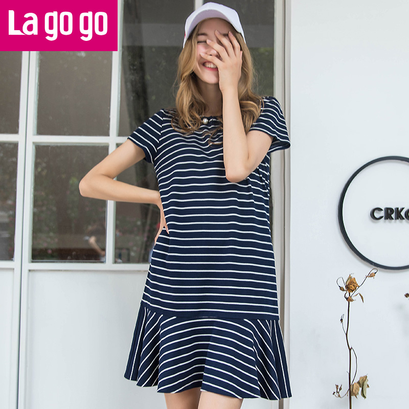 【两件5折后价134.5】Lagogo拉谷谷2017年夏季新款时尚V领短袖条纹连衣裙女休闲短裙