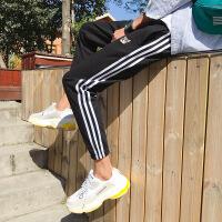 港风裤子男夏季新款运动裤男士韩版潮流三条杠休闲裤宽松九分裤