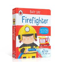 【全店300减100】英文原版进口抽拉机关书 忙碌的一天 消防员 Busy Day: Firefighter 低幼启蒙探