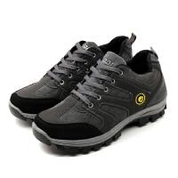 新款春夏季户外登山鞋男士徒步鞋轻便耐磨爬山鞋